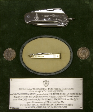 Knives presented to The Queen and The Duke of Edinburgh in 1954  » Click to zoom ->